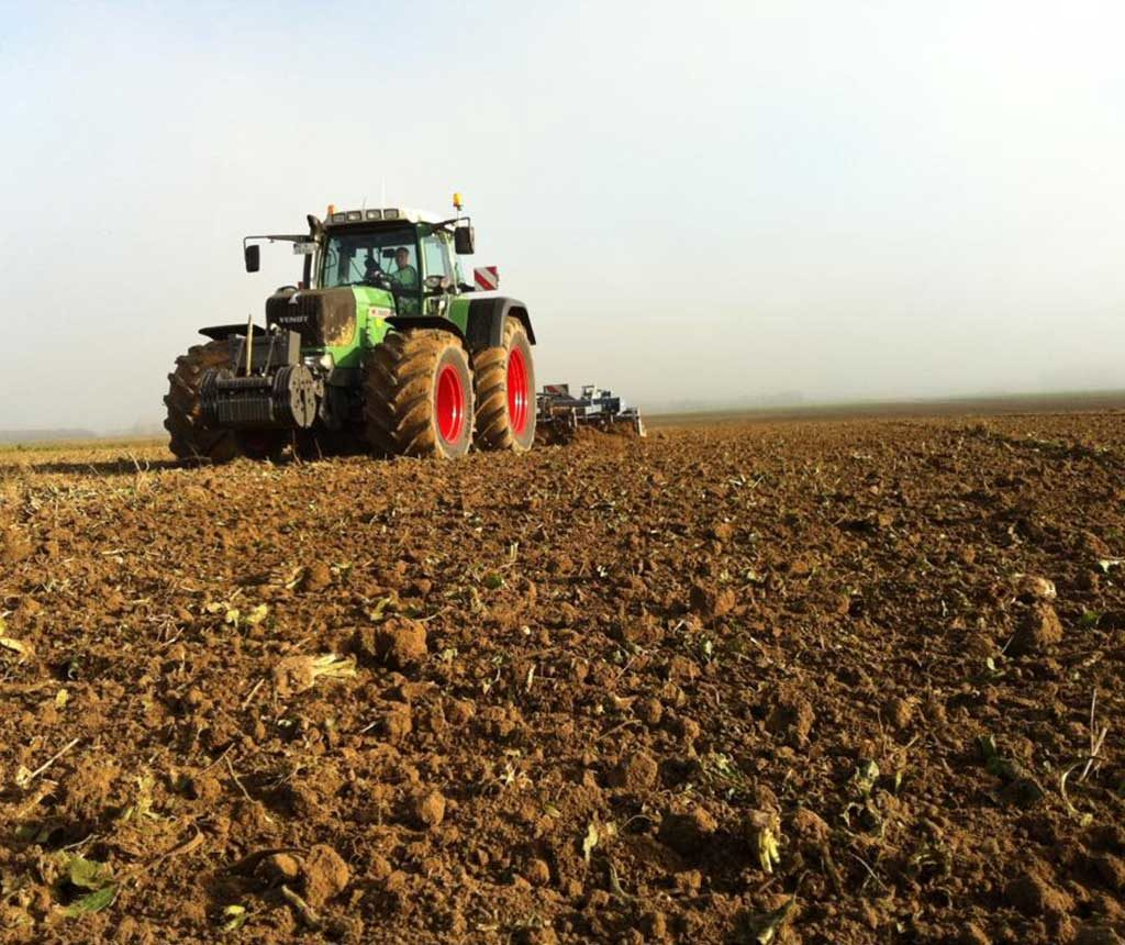 Bremer Agrar Lohnunternehmen Bodenbearbeitung